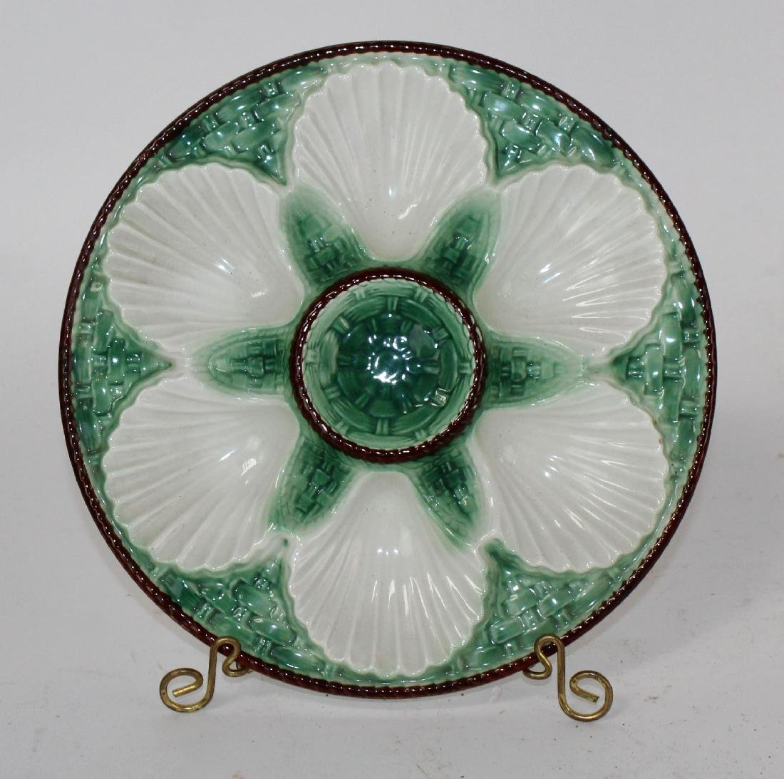 Set of 8 French Majolica glazed oyster plates - 7
