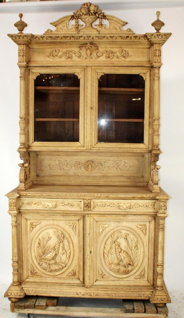 French Louis XIII buffet in carved oak - 3