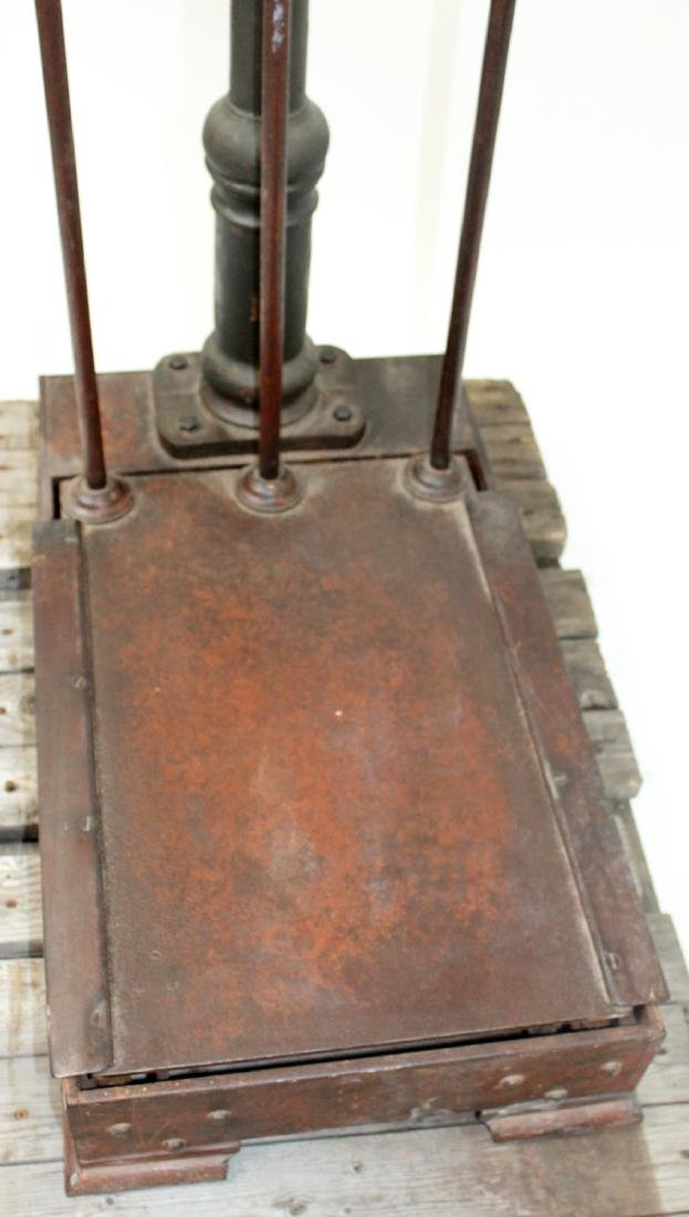 French Industrial cast iron stand up scale - 4