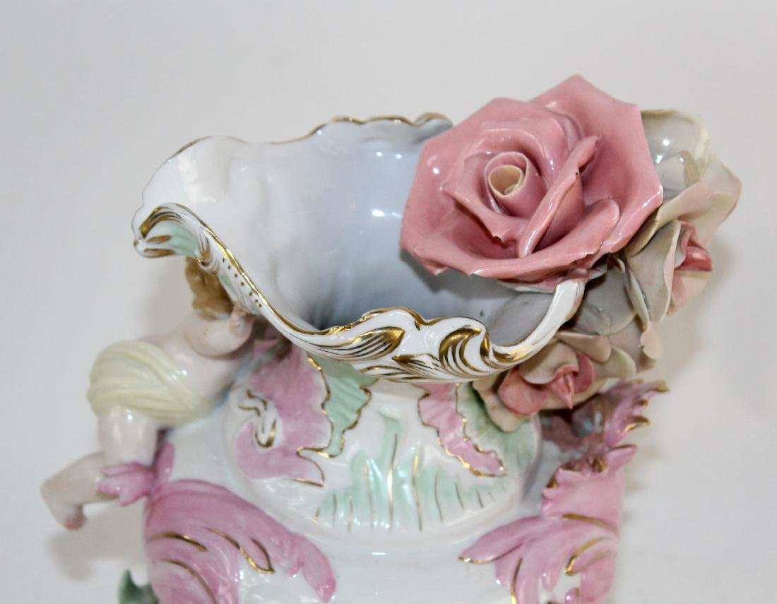 Italian porcelain vase with cherubs - 6