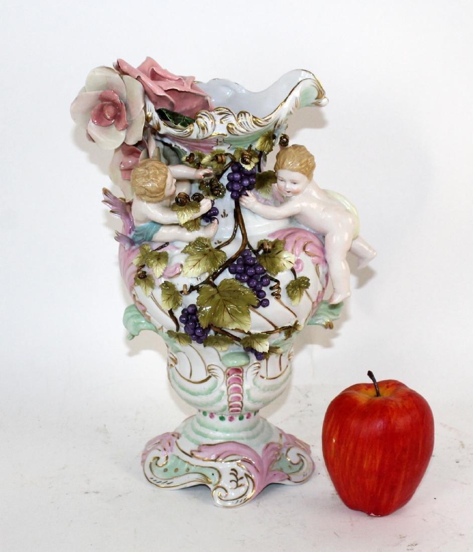 Italian porcelain vase with cherubs - 8