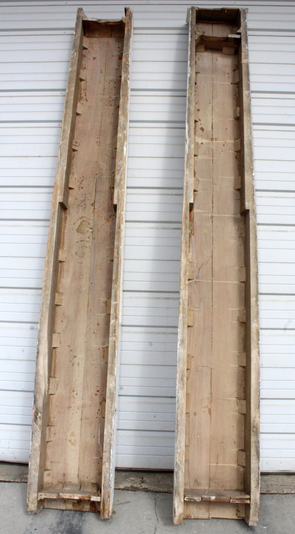 Pair of painted fluted pilasters - 8