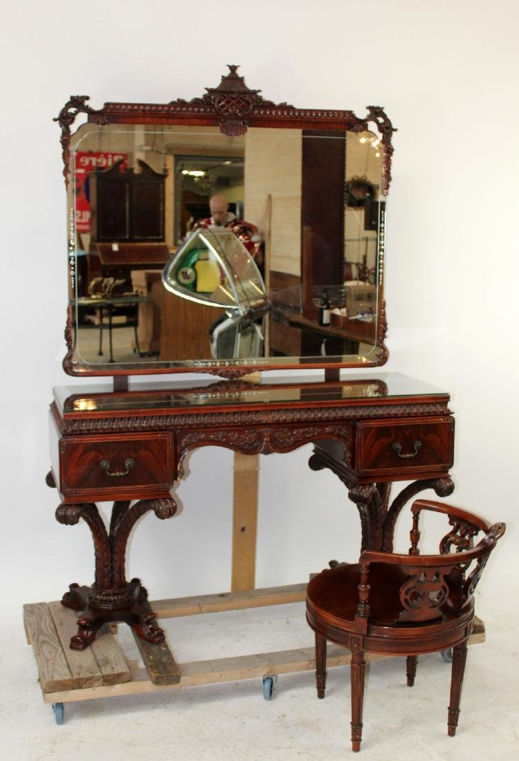 Chinese Chippendale vanity in mahogany