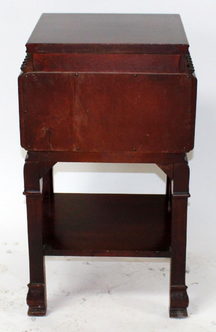 Chinese Chippendale nightstand in mahogany - 2
