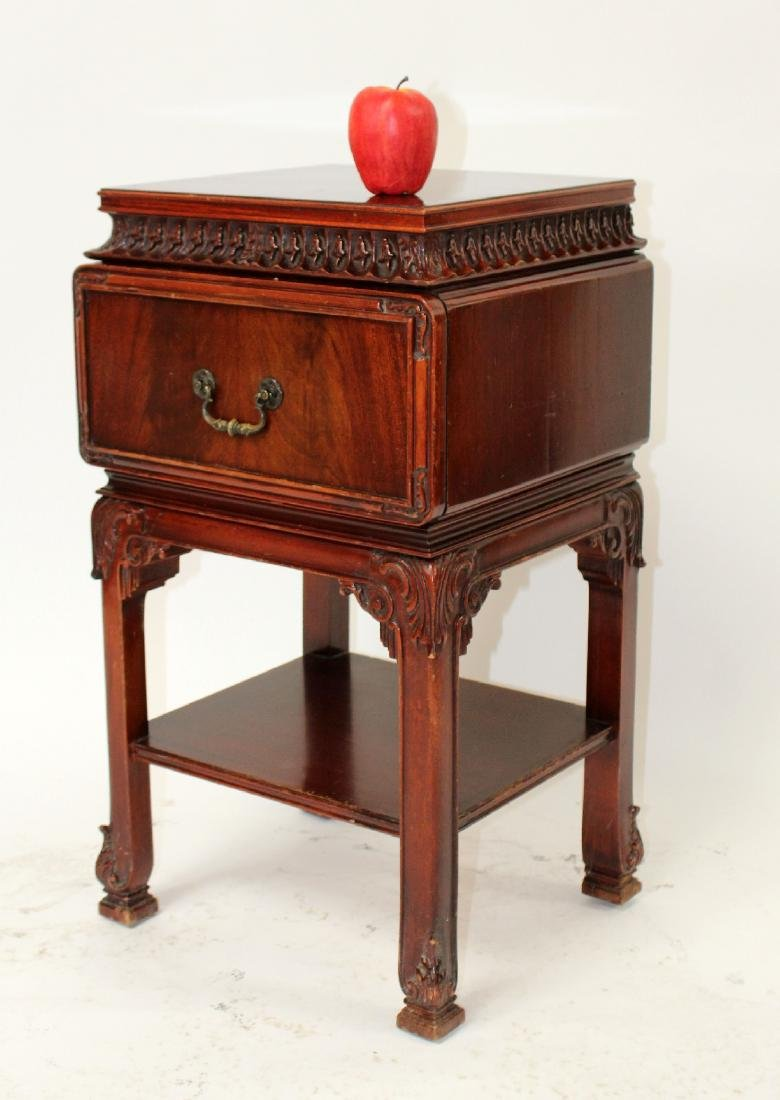 Chinese Chippendale nightstand in mahogany - 6