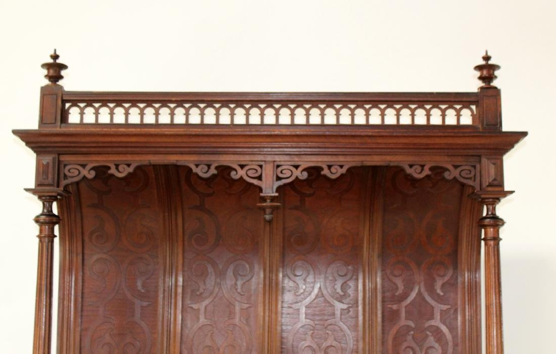 French Mannerist server in walnut with marble top - 4