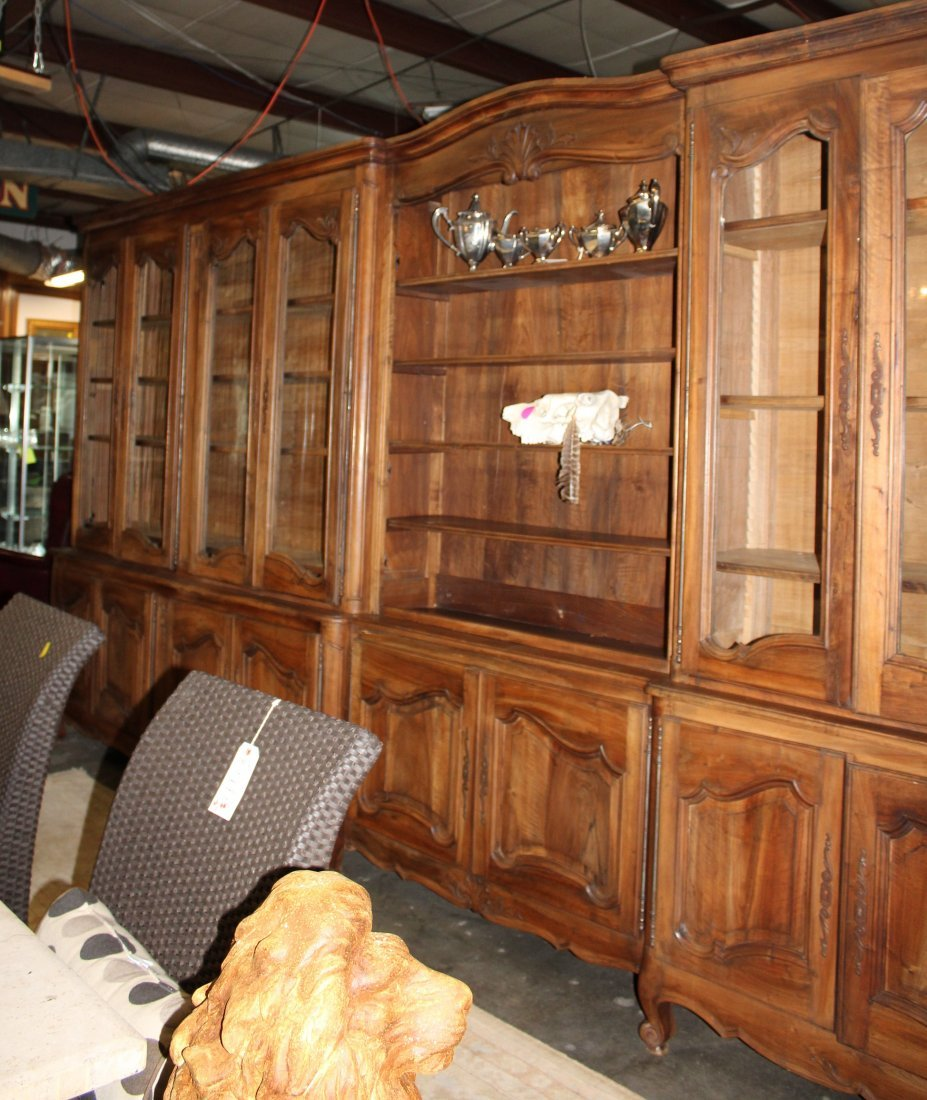Monumental French Louis XV bookcase with glass doors - 10