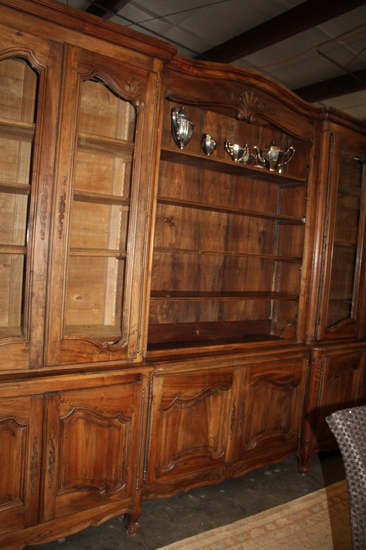 Monumental French Louis XV bookcase with glass doors - 2