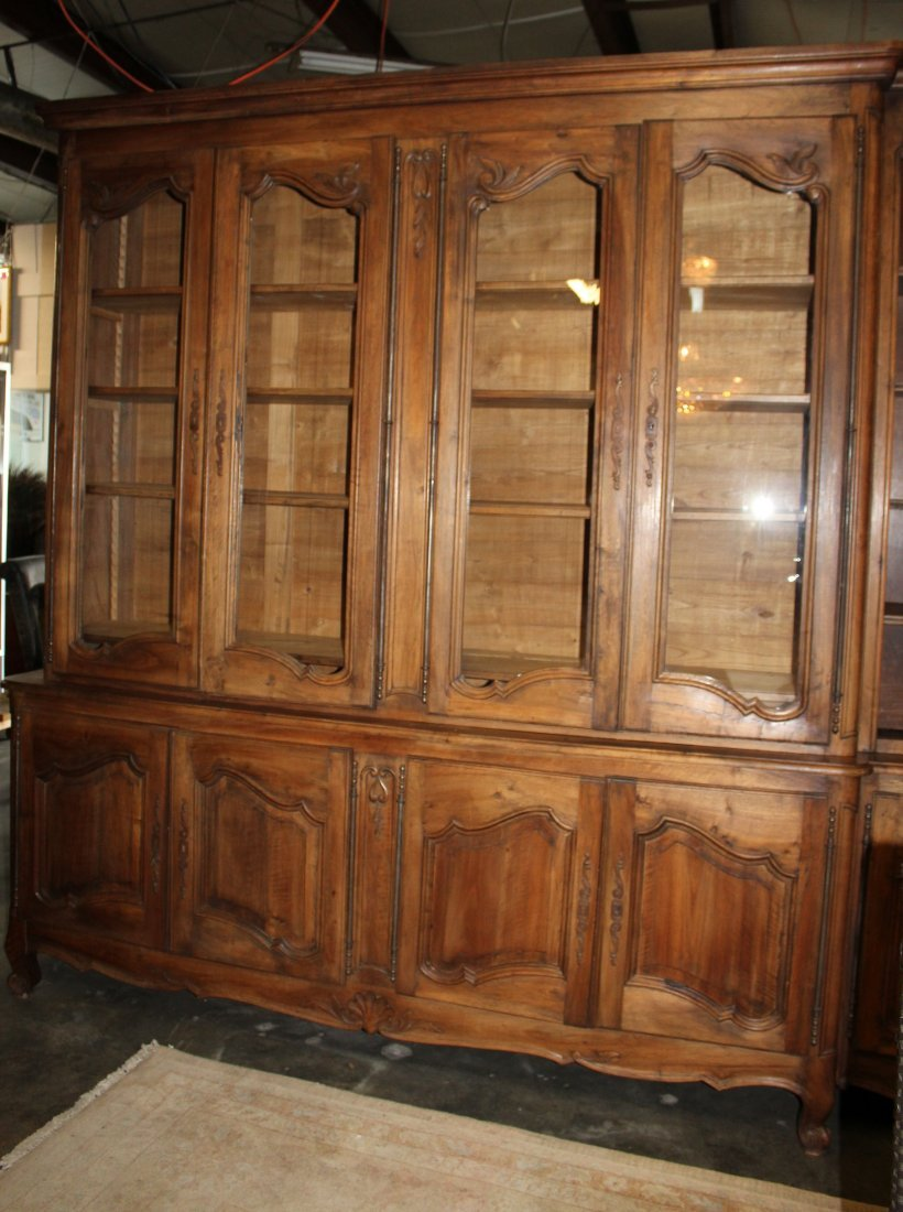 Monumental French Louis XV bookcase with glass doors - 5