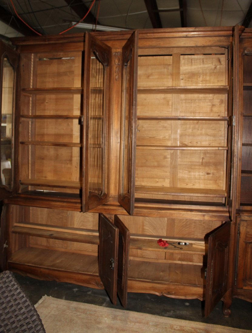 Monumental French Louis XV bookcase with glass doors - 6