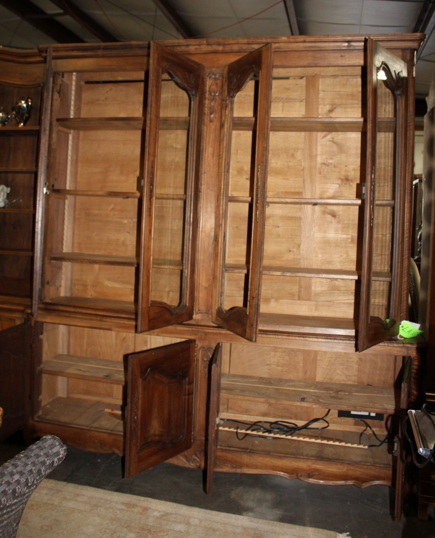 Monumental French Louis XV bookcase with glass doors - 8