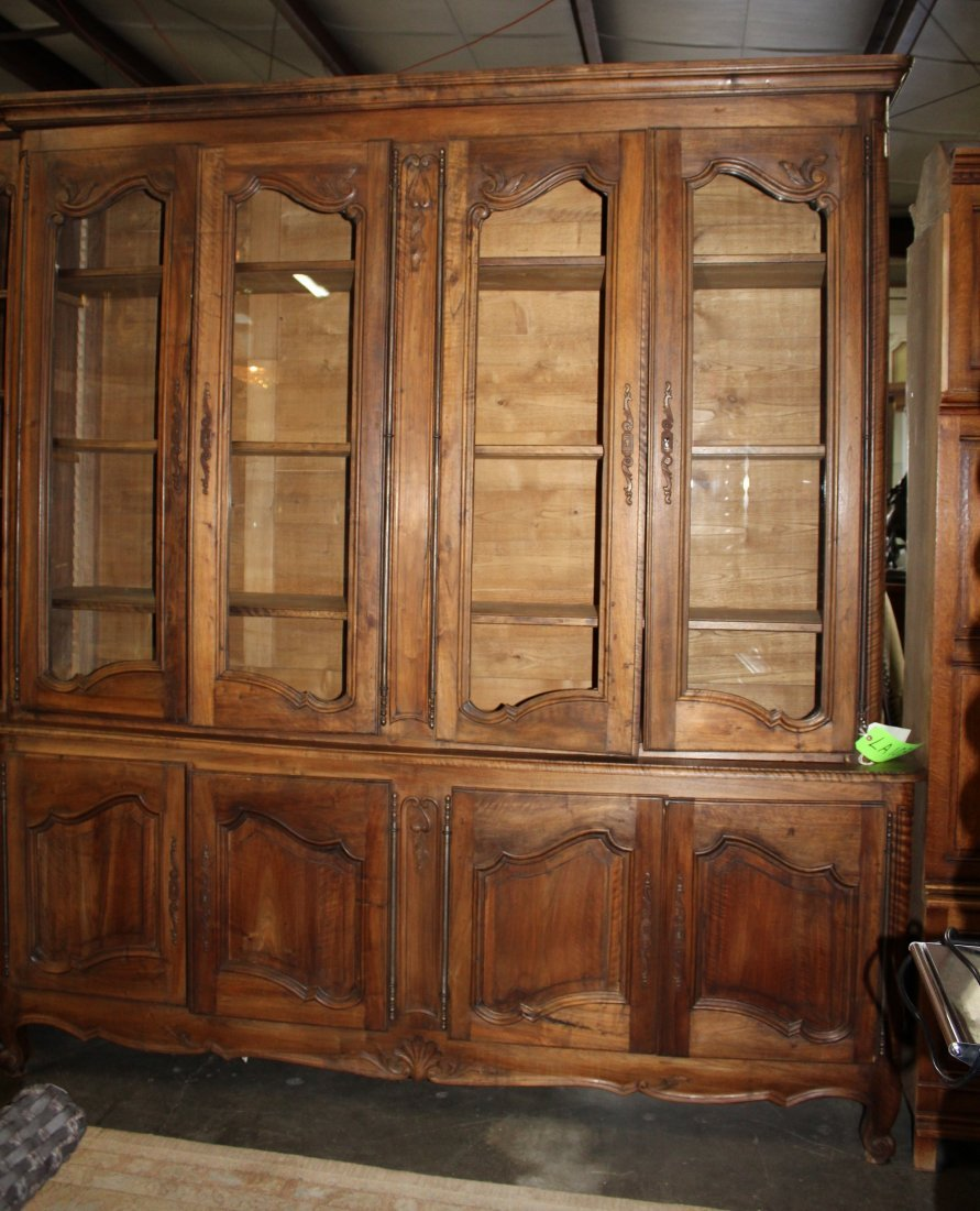 Monumental French Louis XV bookcase with glass doors - 9