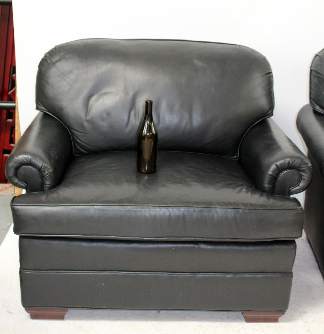 Pair of oversize leather club chairs - 2