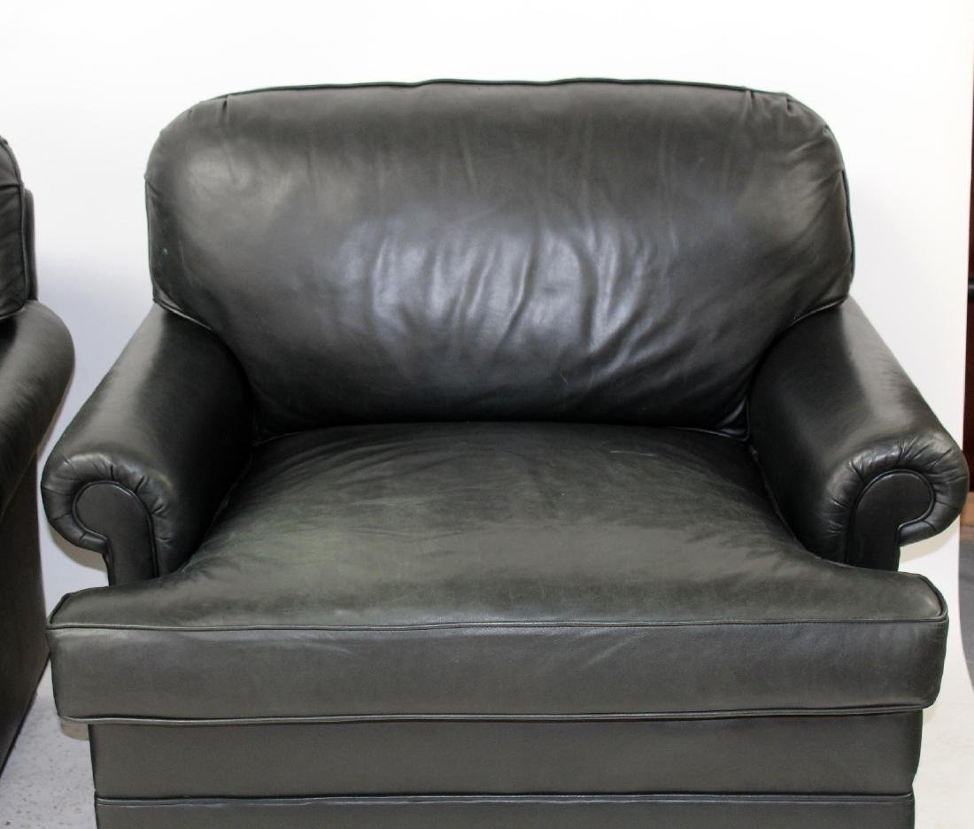 Pair of oversize leather club chairs - 4