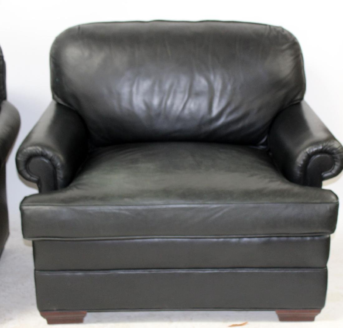 Pair of oversize leather club chairs - 6