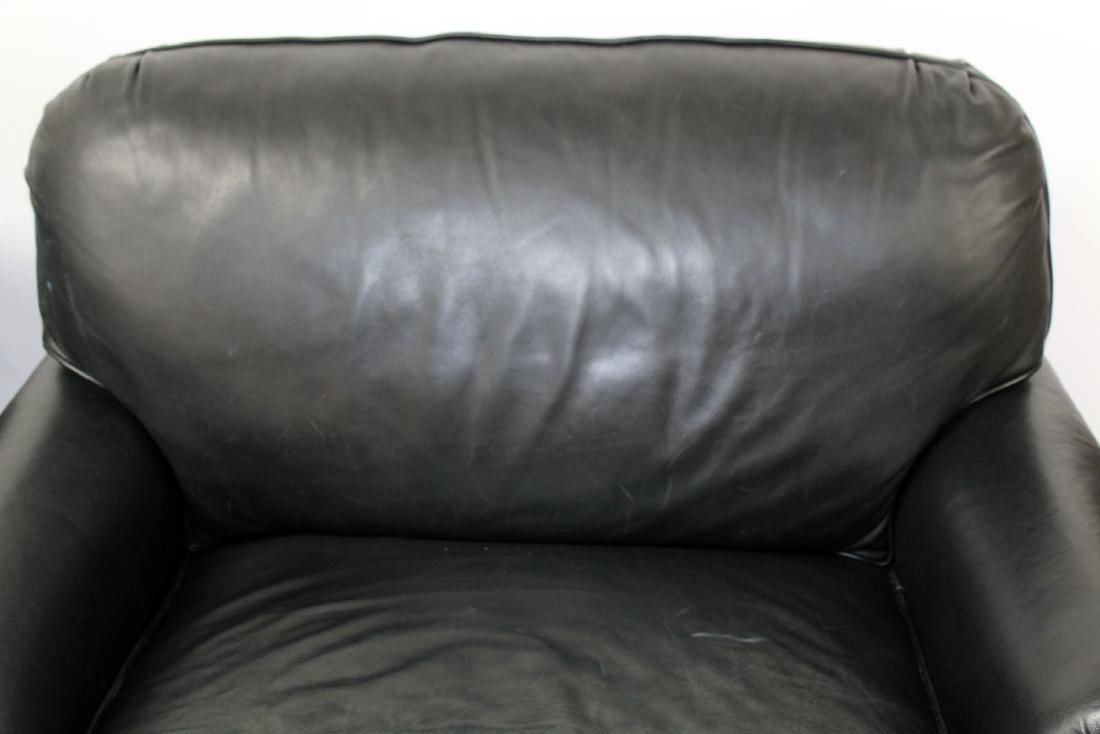 Pair of oversize leather club chairs - 8