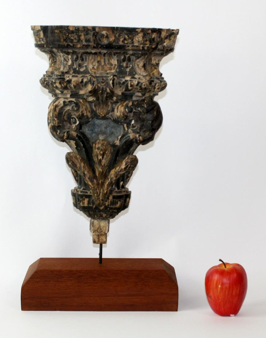 French carved and polychrome wood fragment