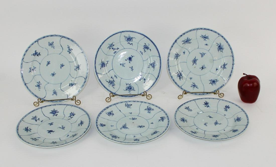 Lot of 6 Chinese blue & white plates