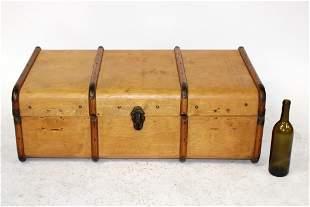 Antique bentwood traveling steamer trunk