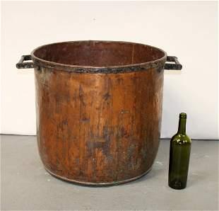 Grand scale French copper pot