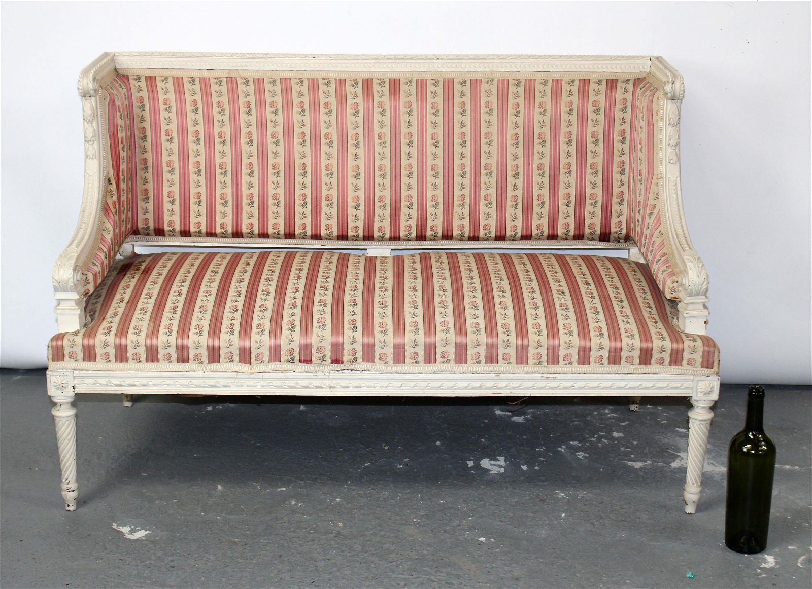French Louis XVI style painted settee