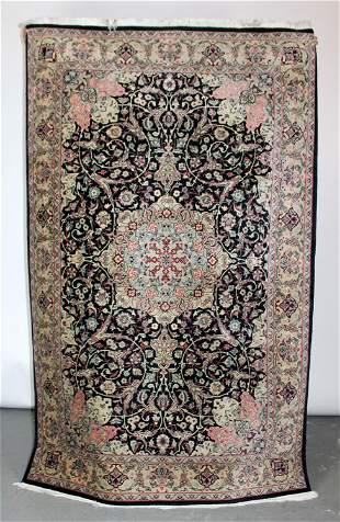 4' x 7' handwoven wool area rug