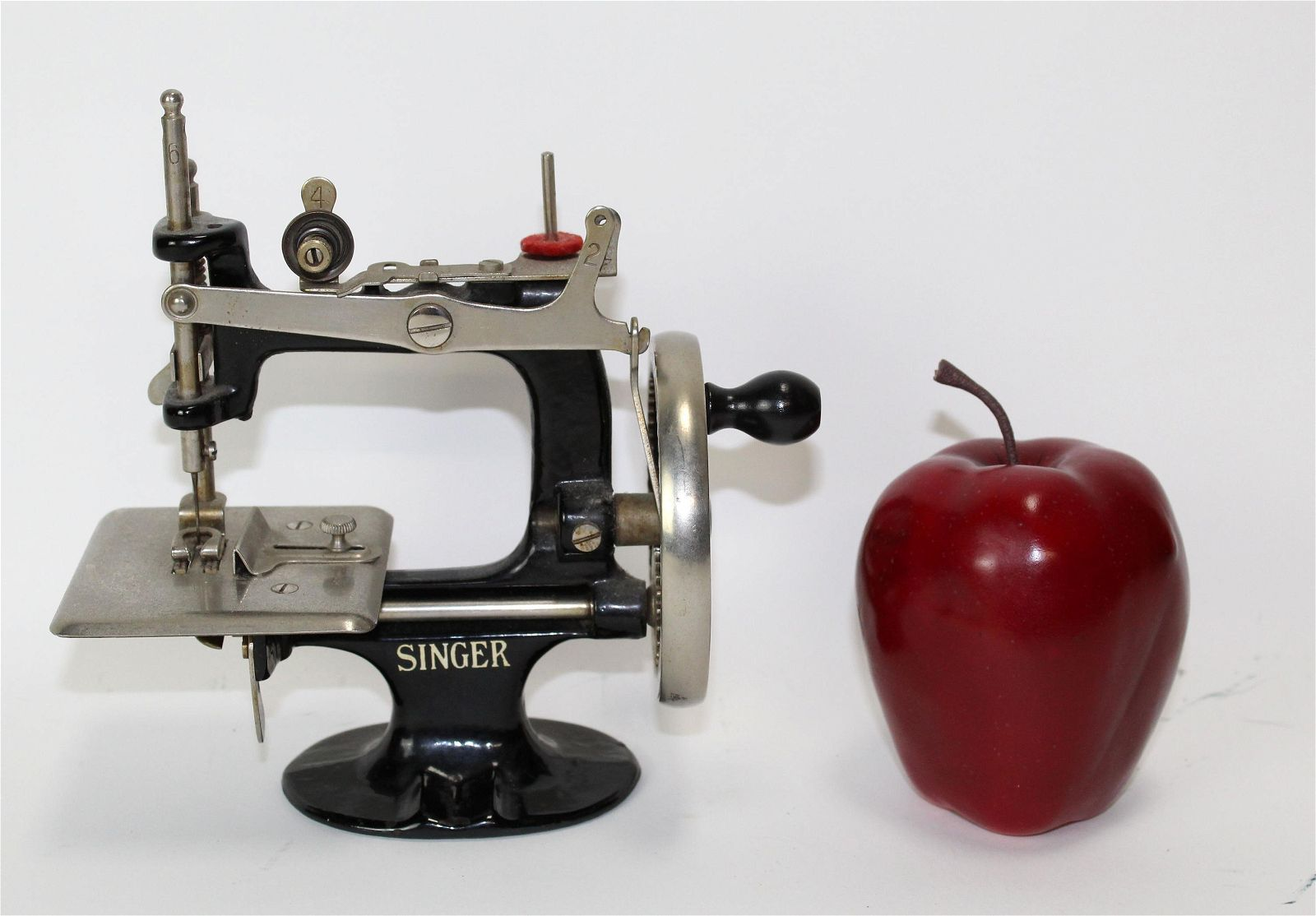 1930's Singer sewing machine salesman sample