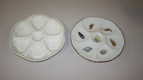 3A: Lot of 2 oyster plates