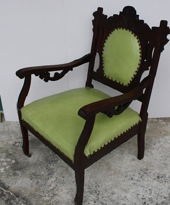 5: Carved walnut Victorian parlor chair
