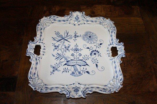 14: Meissen 'Blue Onion' square porcelain tray