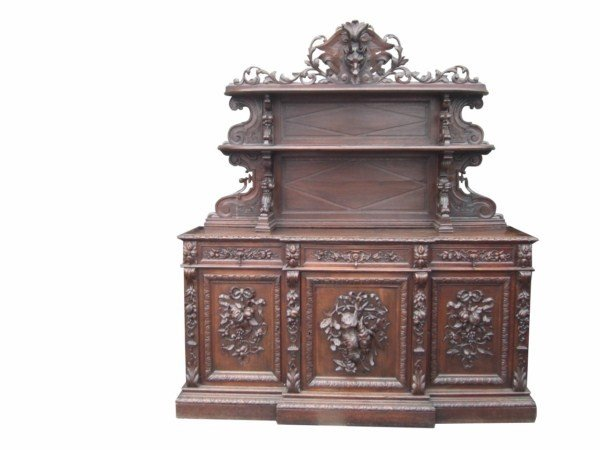 78: Large scale French Louis XIII huntboard with carved