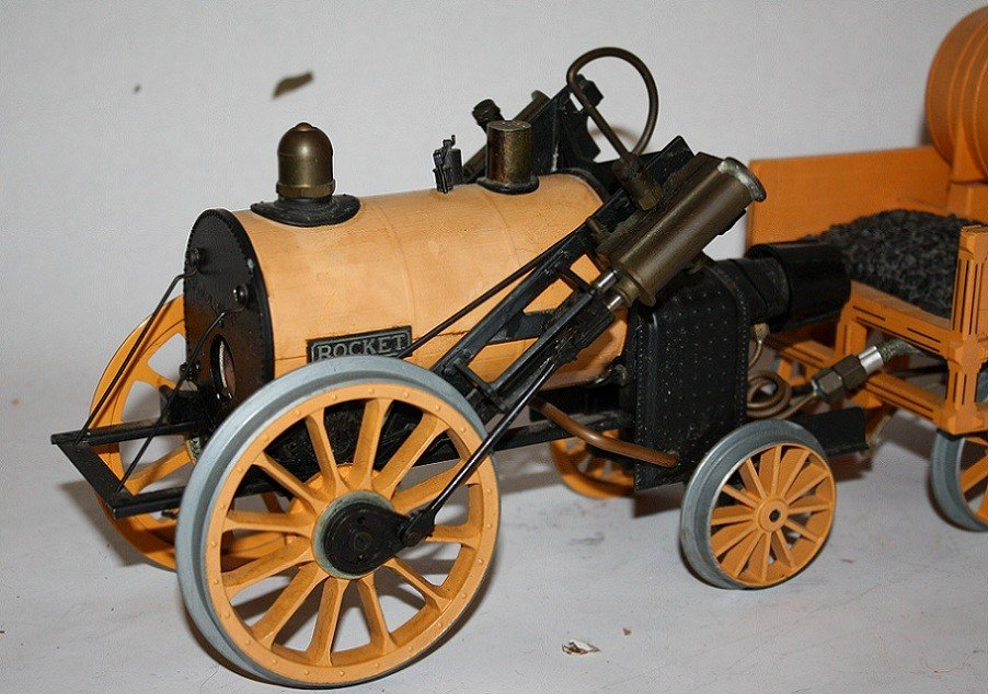 """7: Lot of 5 vintage steam toys :Mamod """"Steam Tractor""""  - 8"""
