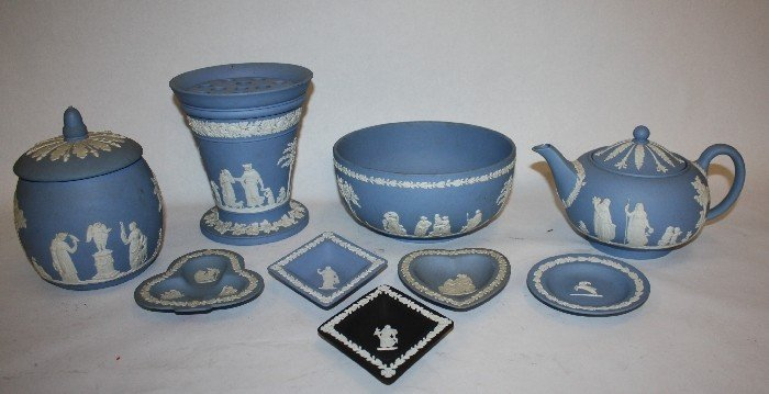 13: Lot of misc Wedgwood