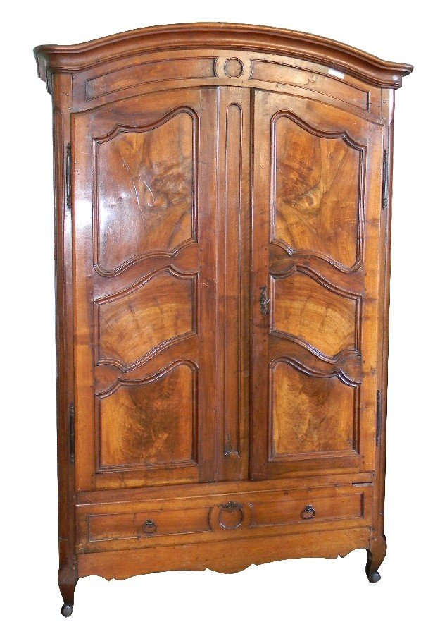 69: Late 18th century French dometop armoire in walnut