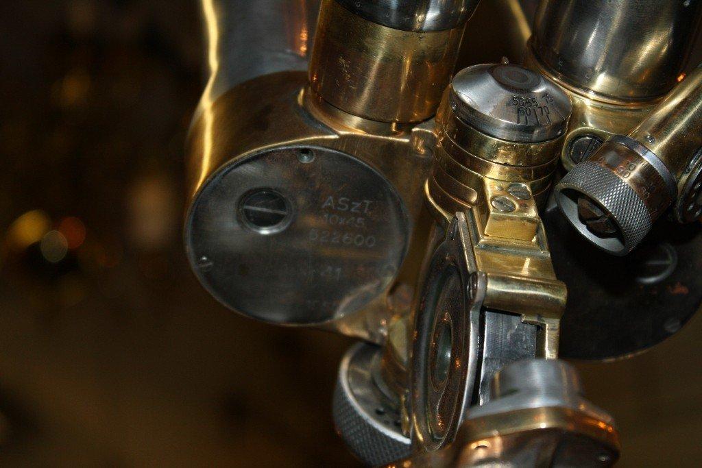111: Rare French WWII era periscope on wooden tripod - 7