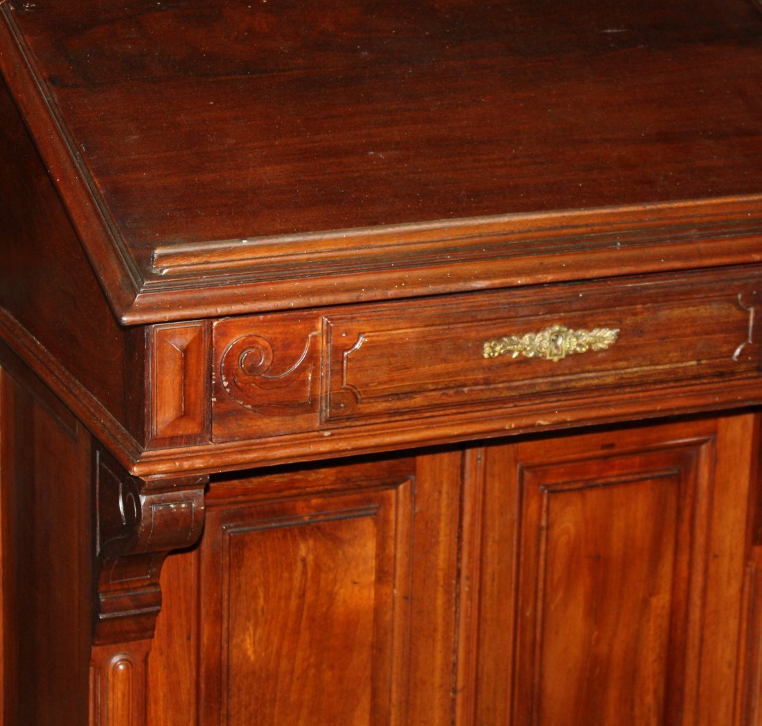 56: French mahogany lecturn/podium/maitre d stand - 3