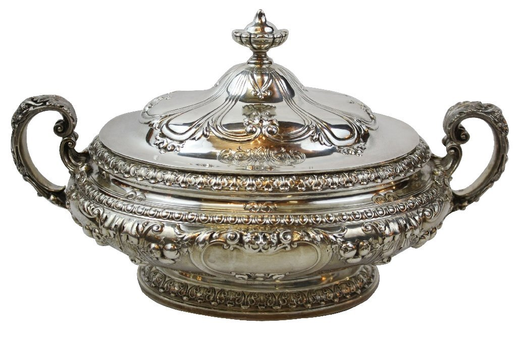 107: Gorham Chantilly sterling silver lidded tureen