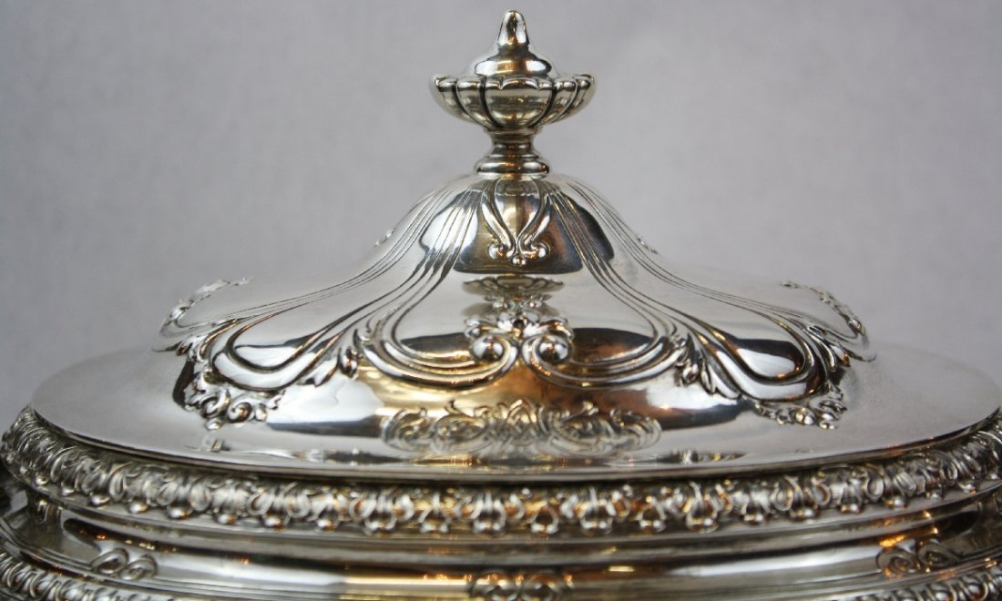 107: Gorham Chantilly sterling silver lidded tureen - 4