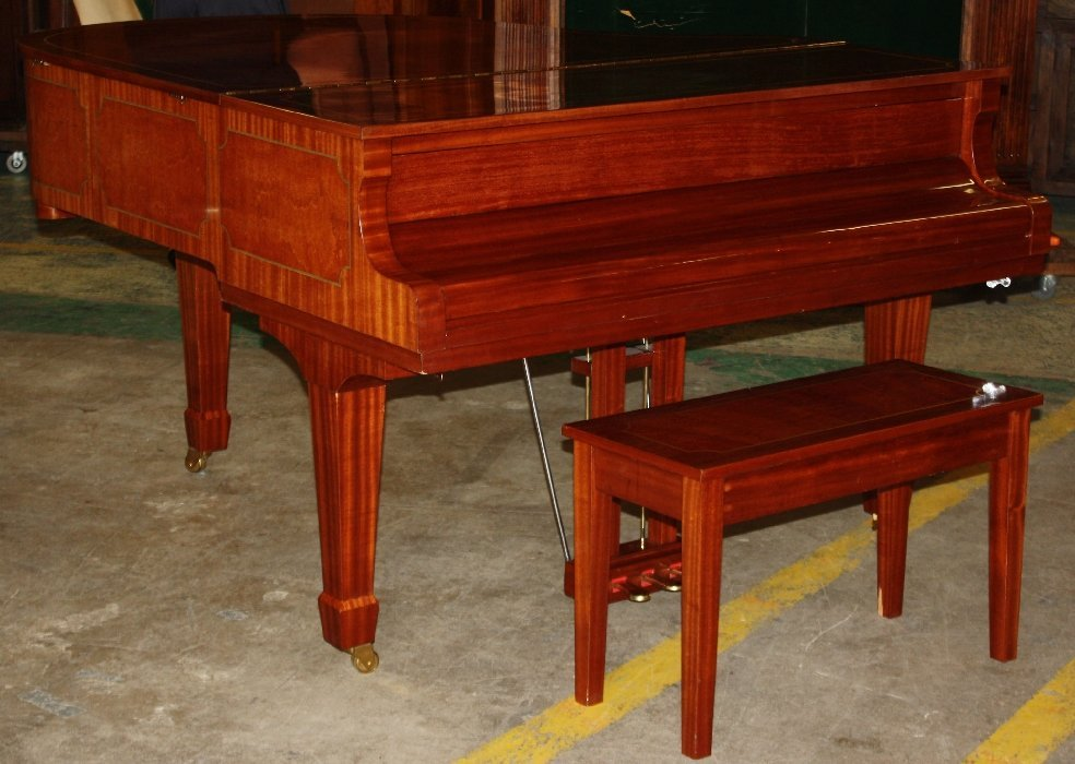 87: Story & Clark Cambridge baby grand piano with bench - 4