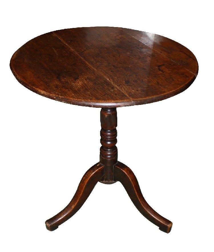 Georgian tilttop pedestal tea table with bobbin base