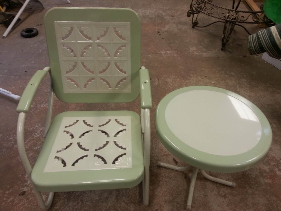 Set of 2 1950's era patio armchair and table