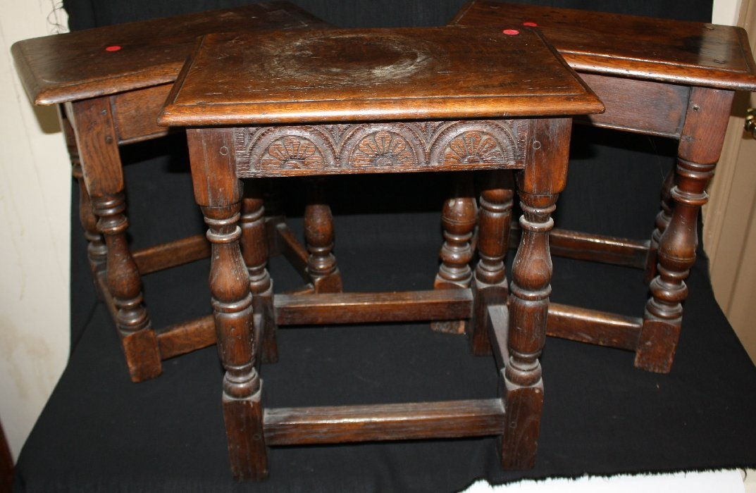 Lot of 3 rustic oak stools with turned legs
