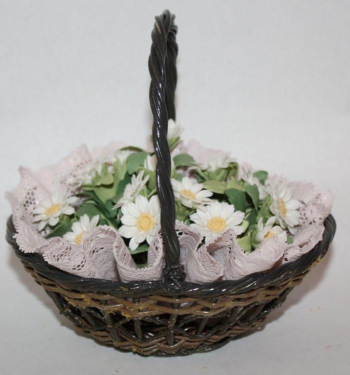 Lladro porcelain statue Flower basket of Margaritas