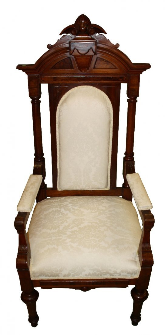 American Victorian throne chair in carved mahogany
