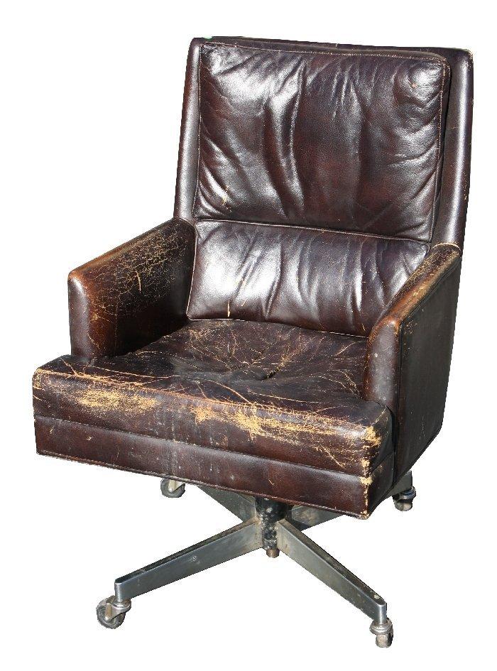 Vintage Metropolitan Furniture Corp leather desk chair