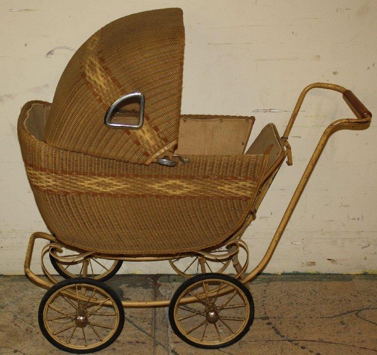 1917 Lloyd Loom wicker baby buggy