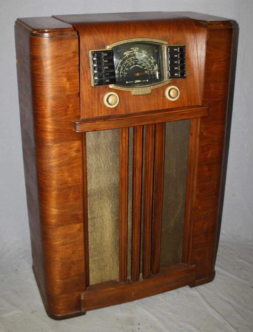1930's Zenith radio in Art Deco cabinet