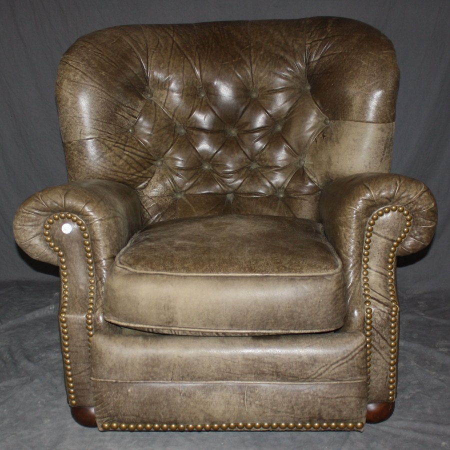 Tufted & distressed leather reclining armchair by Lane