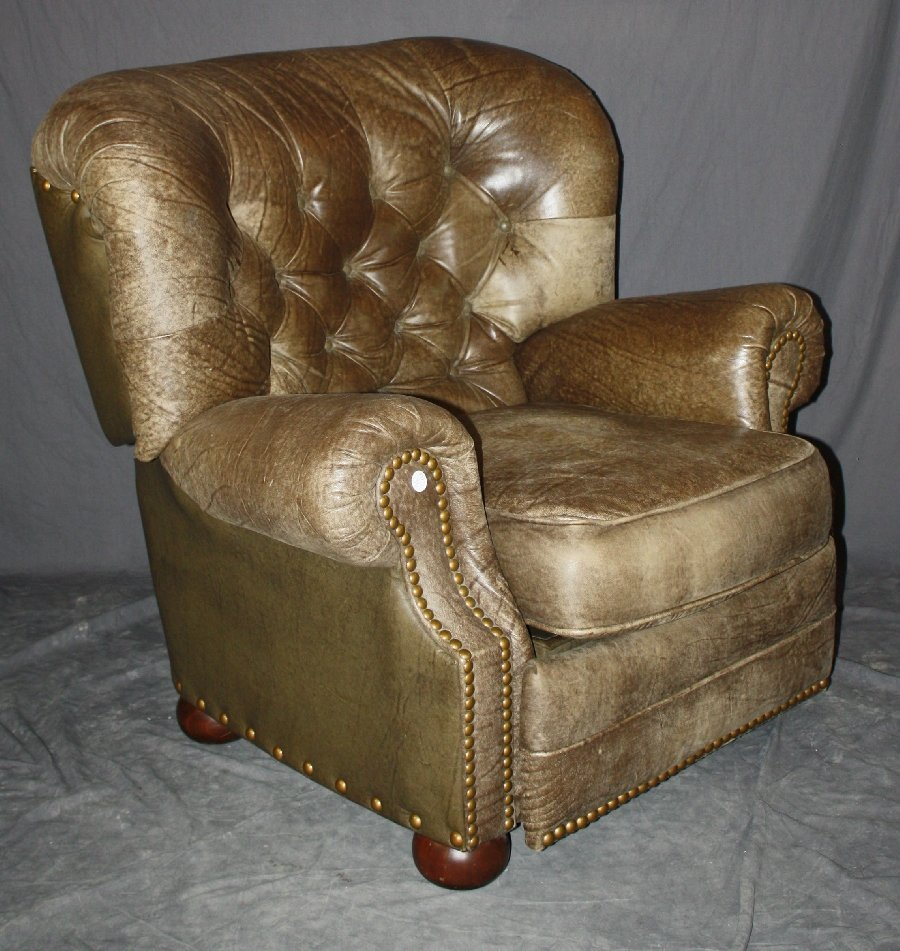 Tufted & distressed leather reclining armchair by Lane - 2