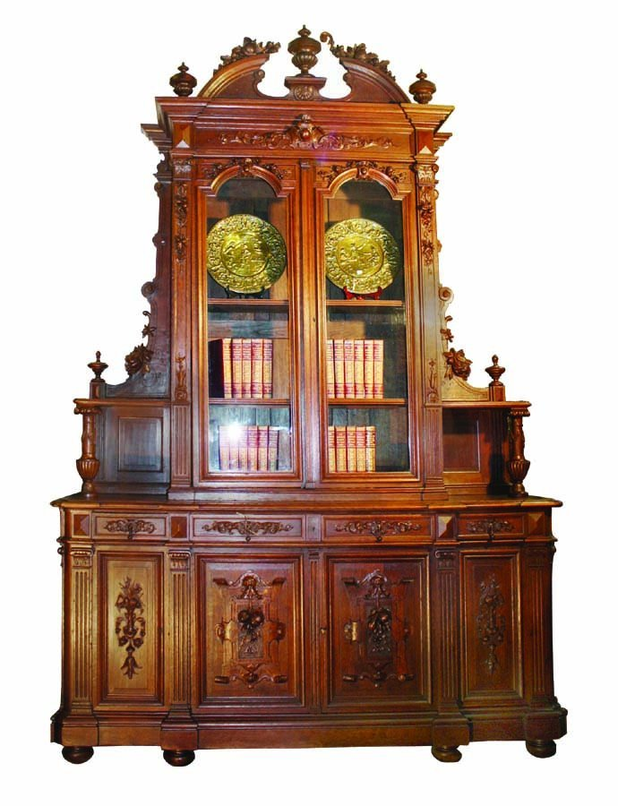 Grand scale French Renaissance buffet in carved oak